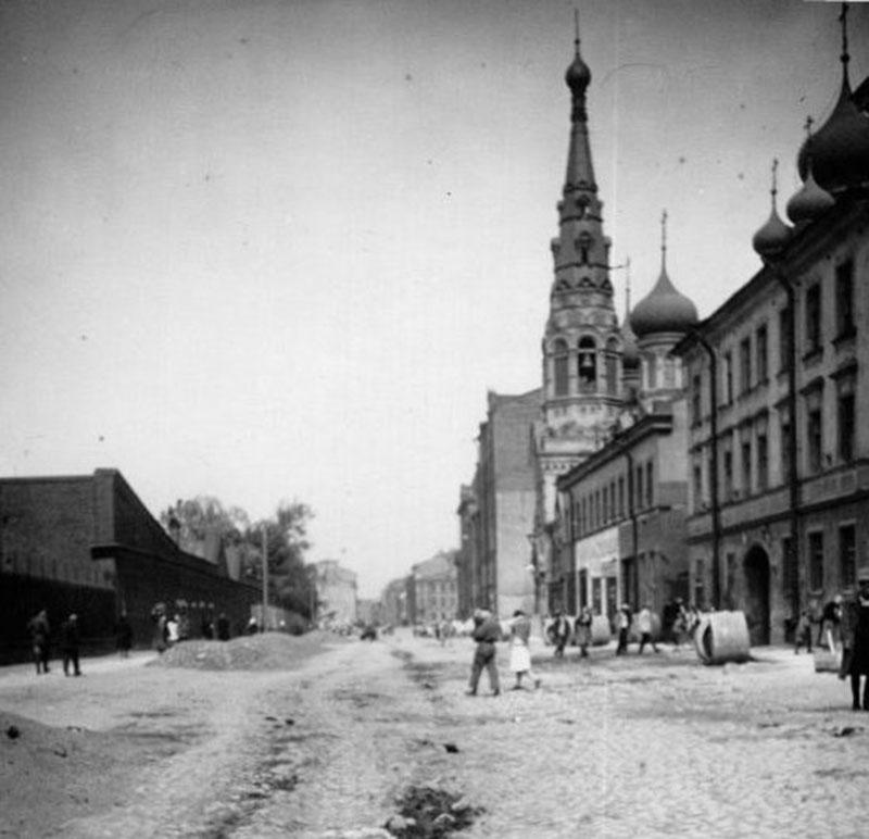 Вид Боровой улицы. Июнь 1928г. ЦГАКФФД. №ГР 23002 (фрагмент)