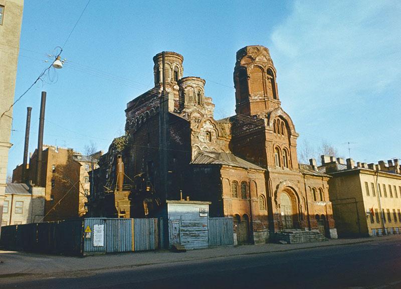Здание церкви Покрова Пресвятой Богородицы. Фото 1985 год.