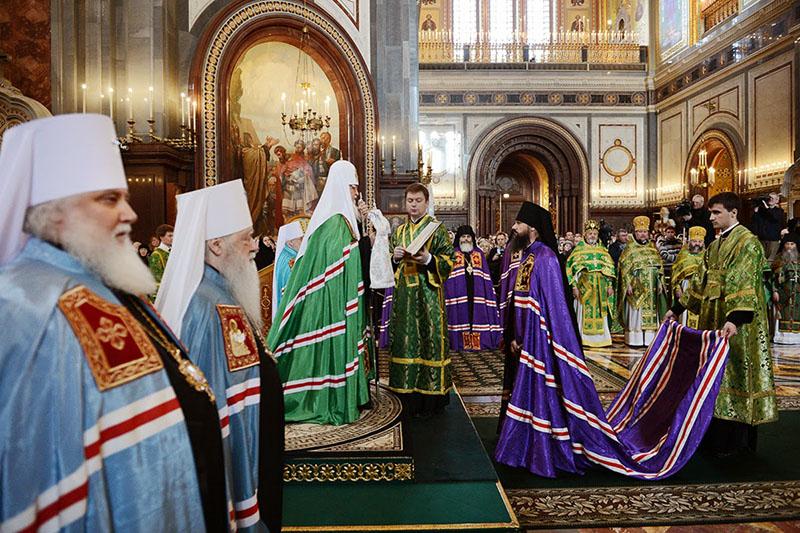 Хиротония архимандрита Игнатия (Бузина) кафедральном соборном Храме Христа Спасителя в Москве