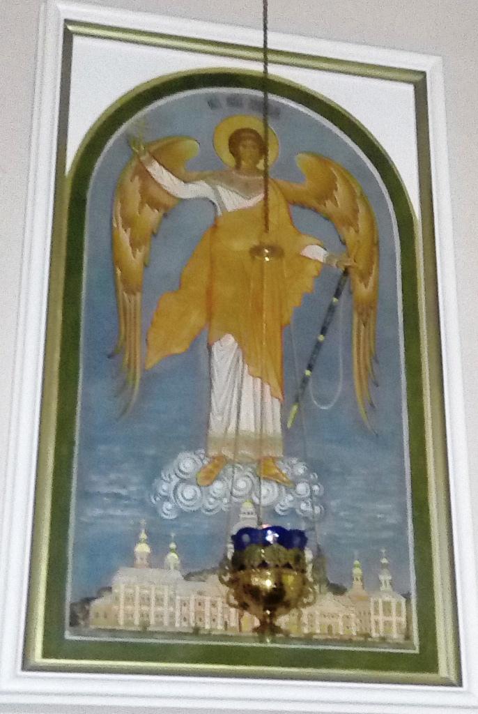 Ангел над Лаврой